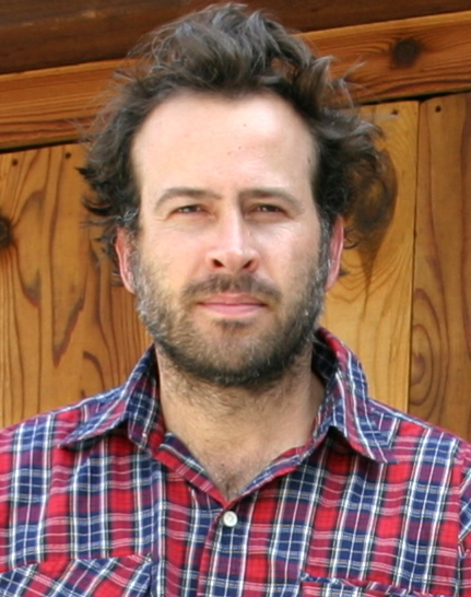 Actor Jason Lee is one of those performers who has really become known for two of his most iconic roles. Kids (and families) will know him as the long ... - Jason-Lee