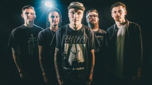 FeatureNeck Deep